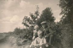 Fotoalbum Sytse Alberda, 112, In dei nei de bosken, 1955