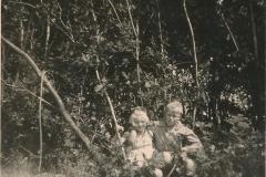 Fotoalbum Sytse Alberda, 113, In dei nei de bosken, 1955