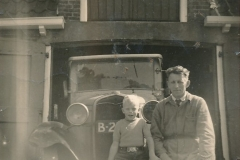 Fotoalbum Sytse Alberda, 127, Sytse en syn heit op de Dille 2, rûn 1950