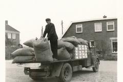 Fotoalbum Sytse Alberda, 131, frachtwein fan fam. Alberda, op de Dille 2, 29-05-1969