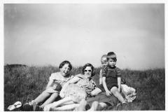 Fotoalbum Jan en Elske, 007, 80b Liesbeth en bern