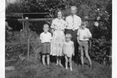 Fotoalbum Jan en Elske, 011, 78b Piet en Liesbeth en bern