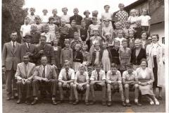 Fotoalbum Jan en Elske, 031, 63 Skoalfoto klasse 4, 5 en 6 w.s. Yeb en Thys (Meintes) Wietske, Douwe en Broer