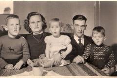 Fotoalbum Jan en Elske, 033, 61 Meinte en Marijke en bern