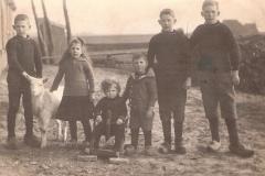 Fotoalbum Jan en Elske, 076, 25 Meinte, Agatha, Bouwe, Evert, Broer en Germ