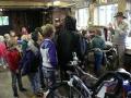 23062015 - Kinderen Folefinne naar het boekenhuisje (10)