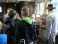 23062015 - Kinderen Folefinne naar het boekenhuisje (12)