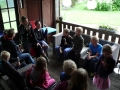 23062015 - Kinderen Folefinne naar het boekenhuisje (17)